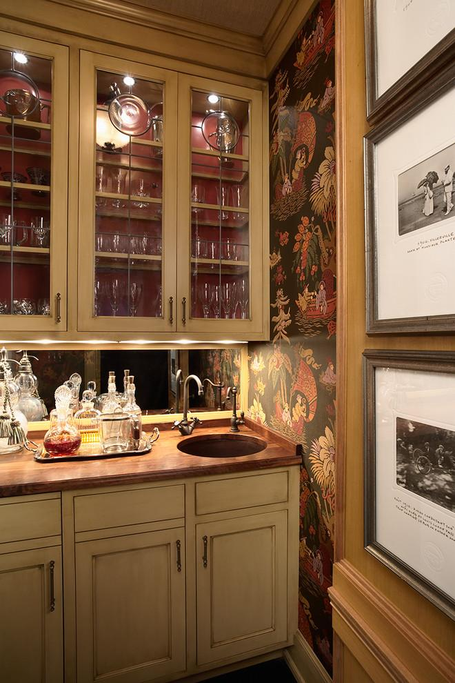 A secret bar with Japanese wallpaper motifs - Stunning Family Mansion in Minnesota