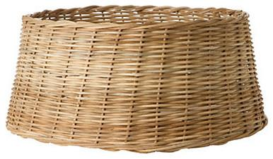 Basket base for a Christmas tree - Lovely Decorating Ideas with Scandinavian Touch