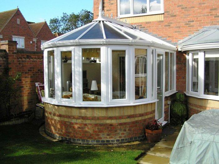 Beautiful sunny rounded home conservatory - Benefits of your bespoke conservatory