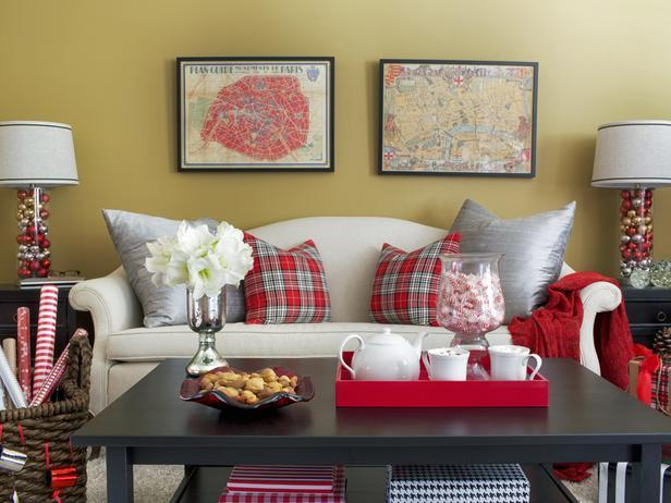 Comfortable sofa with Christmas pillows - Stylish Home Decoration Ideas in opposite colors