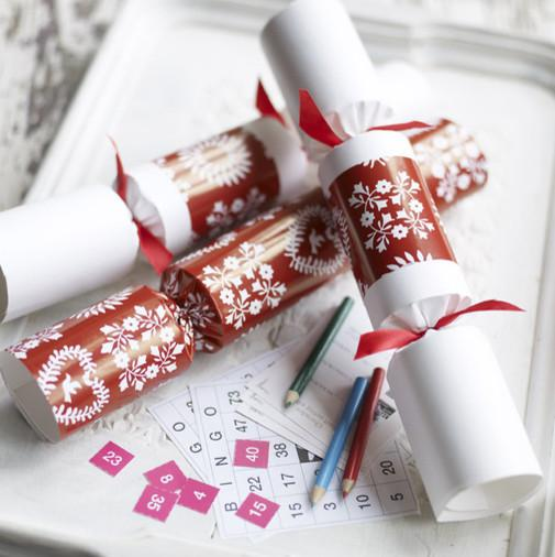 Decorative Christmas crackers - Lovely Decorating Ideas with Scandinavian Touch