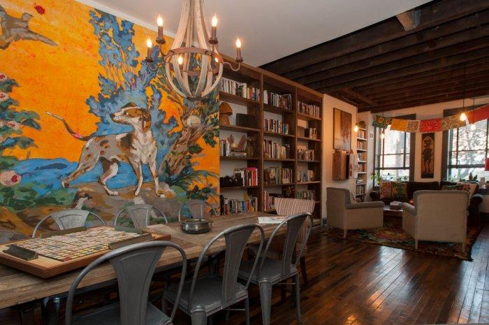 Eclectic dining room with beautiful wall art - Magical Couple Home in Pittsburgh, USA