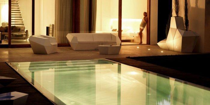 Minimalist Luxury House Design by Ramon Esteve Studio