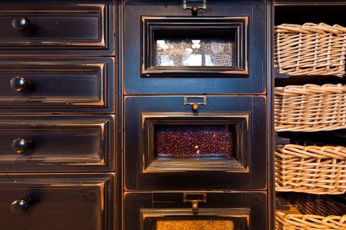 Kitchen island cabinetry by William Oh - Mansion in California in Italian Style