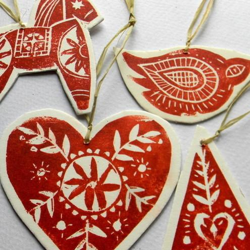 Lino print tree decorations - Lovely Decorating Ideas with Scandinavian Touch
