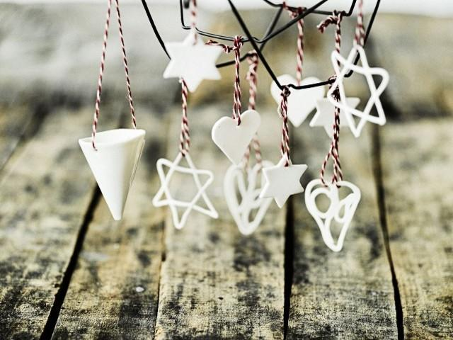 Little white Christmas decoration ornaments - Lovely Ideas with Scandinavian Touch