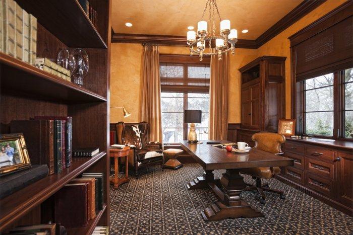 Luxury American home office - Splendid High-End Mansion in Minnesota, USA