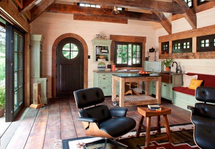Small Art Cottage near Rocky Mountains, Colorado