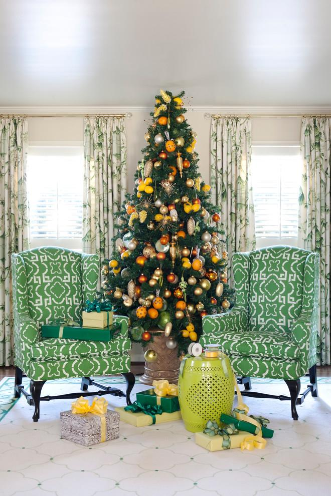 Orange and green combined in a lovely Christmas tree - 15 Great Colorful Ideas for Home Decorations
