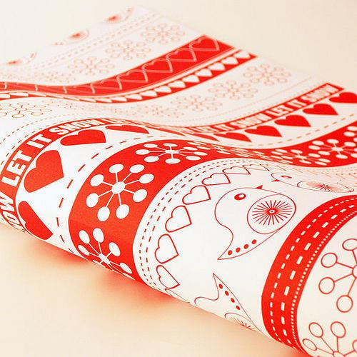 Red and white Christmas gift wrap - Lovely Decorating Ideas with Scandinavian Touch