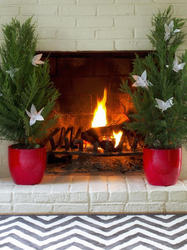 Red and stylish bold Christmas tree pots - Stylish Home Decoration Ideas in opposite colors