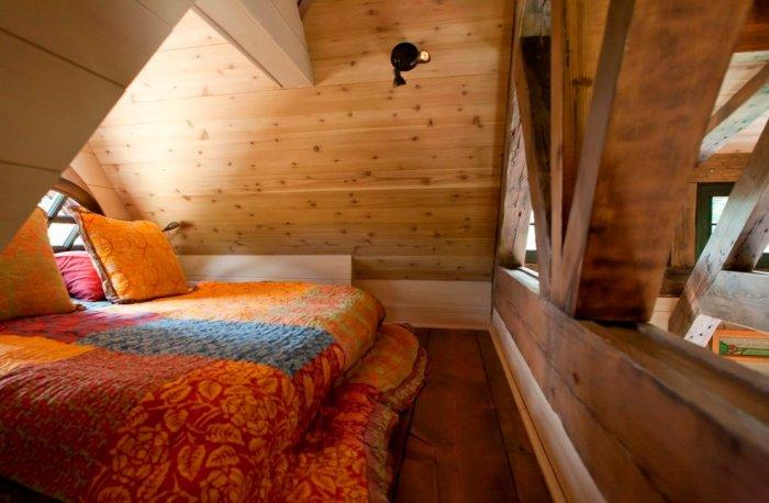 Small rustic art cottage near rocky mountains colorado for Rustic cottage bedroom