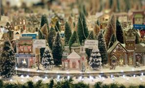 20 Stylish/Elegant Ideas for Christmas Tree Decorations