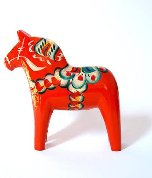 Traditional Swedish red Dala horse - Lovely Decorating Ideas with Scandinavian Touch