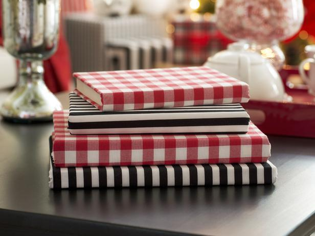 Wrapped book covers in red, black and white colors - Stylish Home Decoration Ideas in opposite colors