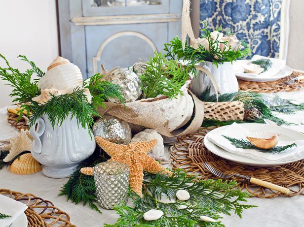 Bring the Beach to Christmas -36 Eye-Catching Ideas for a Holiday Table