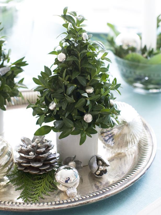 Christmas Tree-20 Splendid Christmas Tabletop Ideas for Centerpieces
