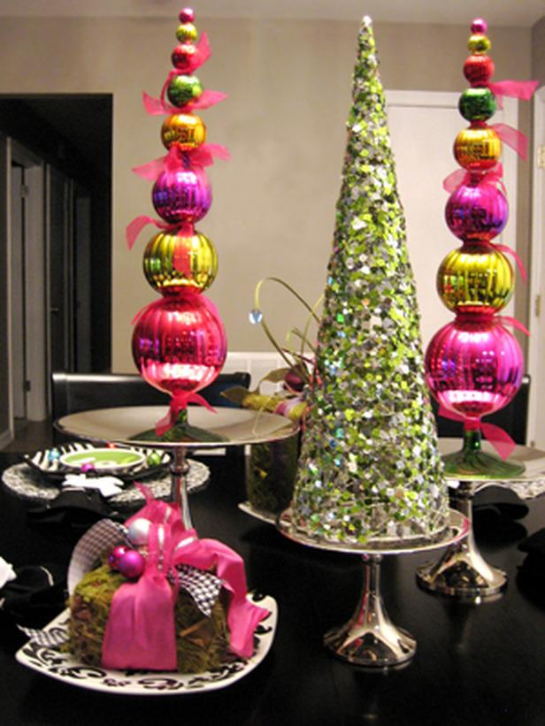 Colorful And Cheery 20 Splendid Christmas Tabletop Ideas For Centerpieces
