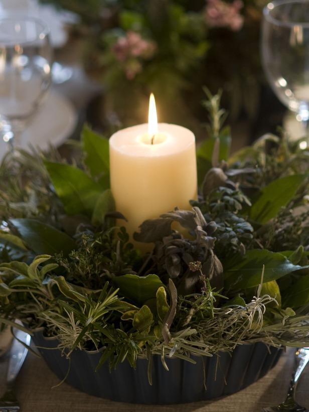 Herb Centerpiece-20 Splendid Christmas Tabletop Ideas for Centerpieces