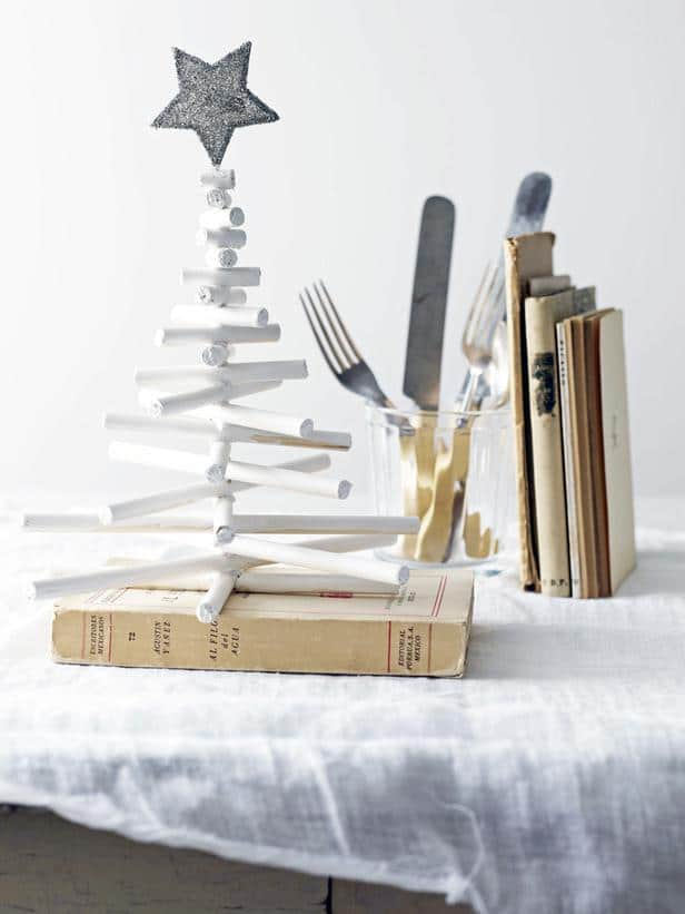 Modern Tabletop Tree -36 Eye-Catching Ideas for a Holiday Table