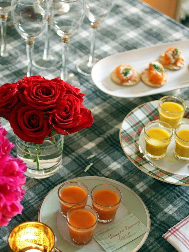 Single-Serving Soups - Christmas Table Decoration Ideas