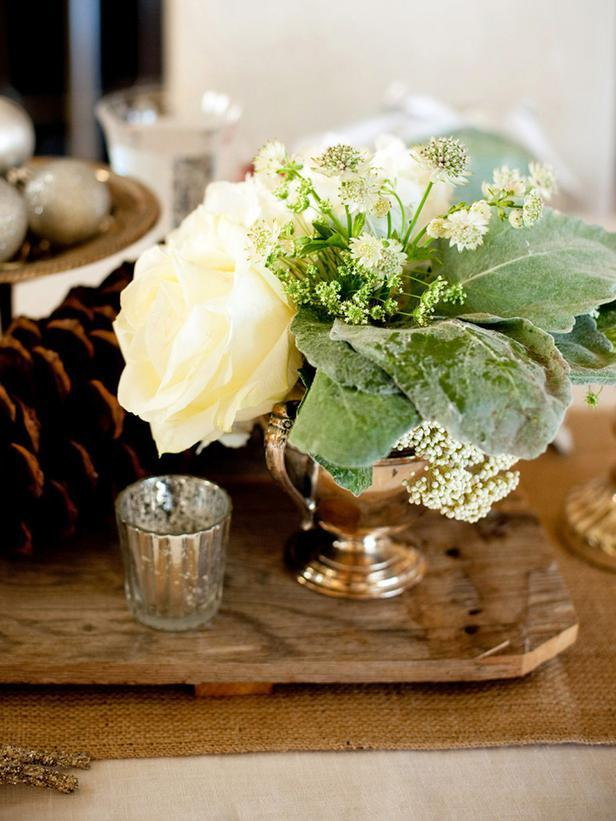 A Touch of Glitz-20 Splendid Christmas Tabletop Ideas for Centerpieces