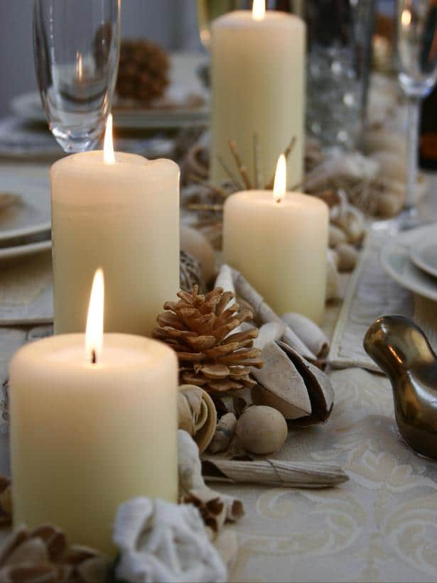 Warm Up the Table -20 Splendid Christmas Tabletop Ideas for Centerpieces