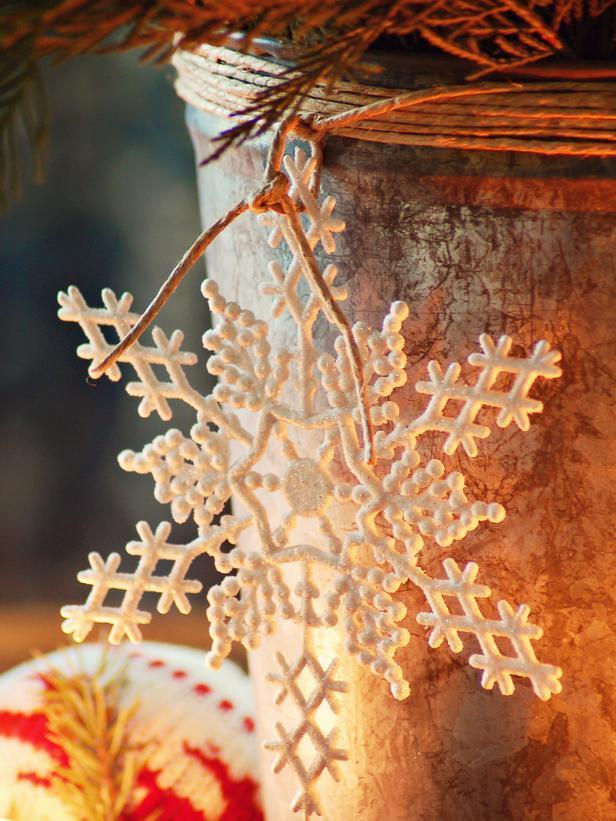 Beautiful decorative snowflake - Rustic Christmas Table Ideas