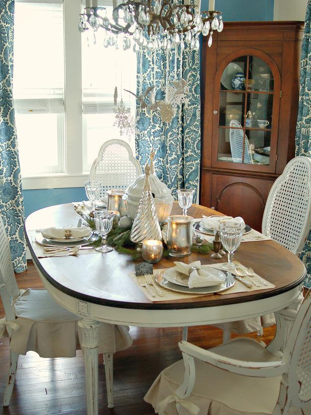 Christmas Table Ideas Silver.Add A Classic Touch To Your Christmas Table Decorations