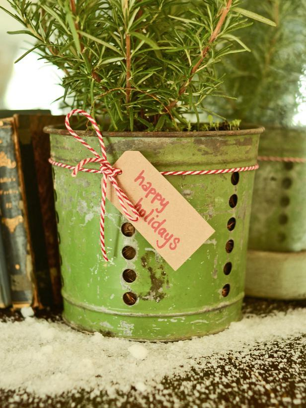 Buckets -Vintage Christmas Ideas for a Holiday Table Setting