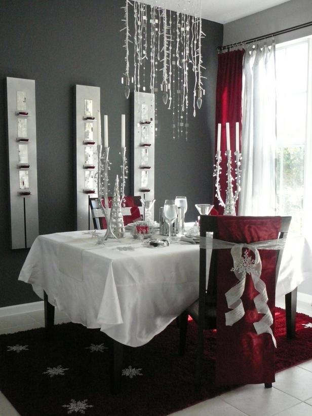 Contemporary small dining room decorated for Christmas  - 24 Dazzling Settings for a Sparkling Holiday Night