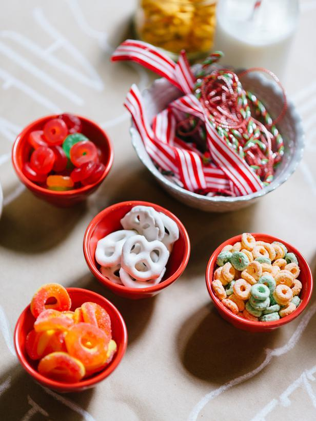 Kids' workshop with treats - How to Set Up a Kids' Christmas Table for Fun?