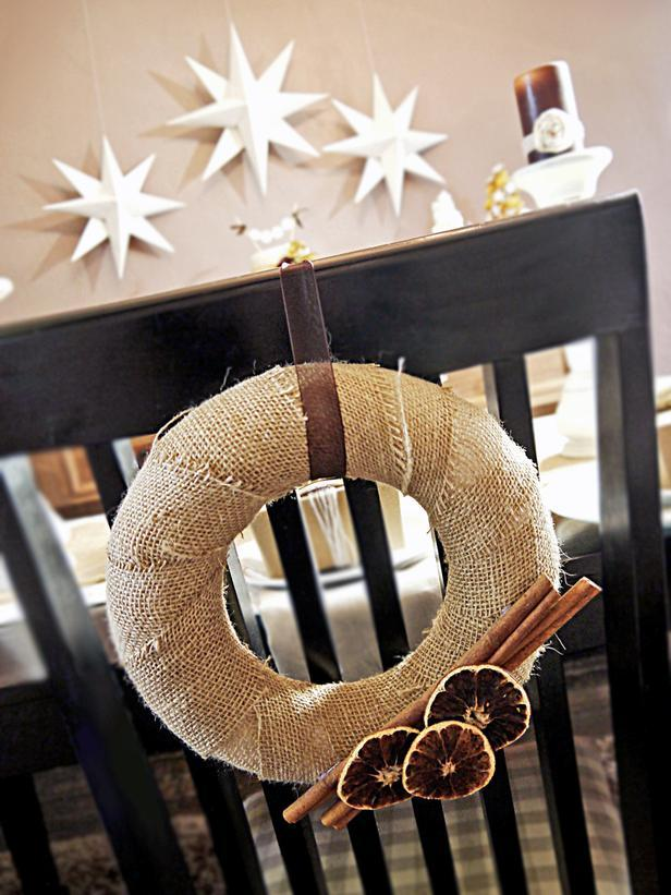 An elegant christmas table setting with diy details for Diy elegant christmas decorations