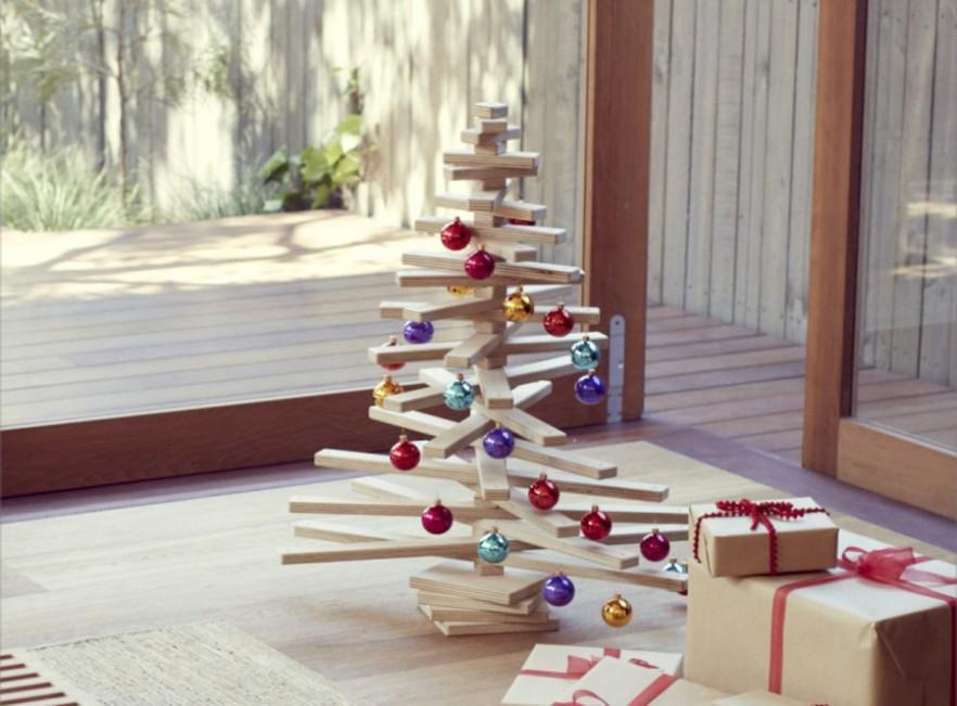 10 Splendid and Creative DIY Alternative Christmas Trees