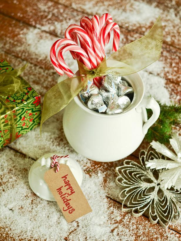 Sugar Jars Vintage Christmas Ideas for a Holiday Table Setting