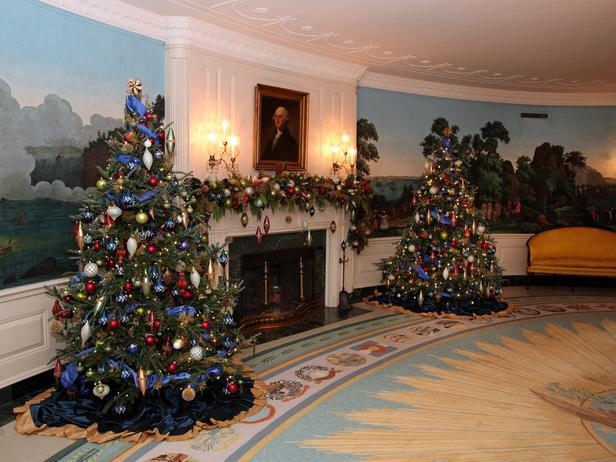 The diplomatic reception room decorated for Christmas - Holiday Ideas from America's First Home