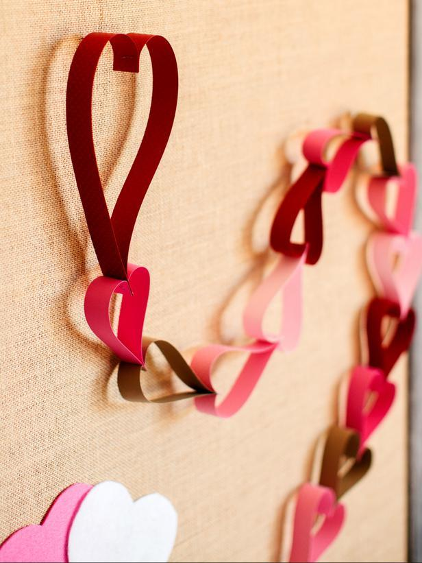 Countdown Paper Chain -Easy DIY Valentine's Day Crafts for Home Decoration
