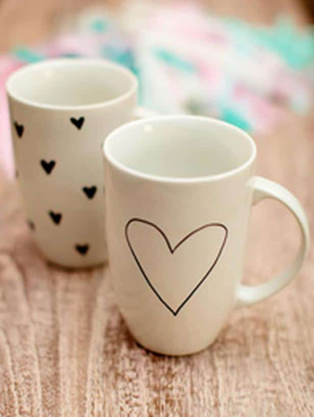 Hand-Drawn Coffee Mugs -Easy DIY Valentine's Day Crafts for Home Decoration