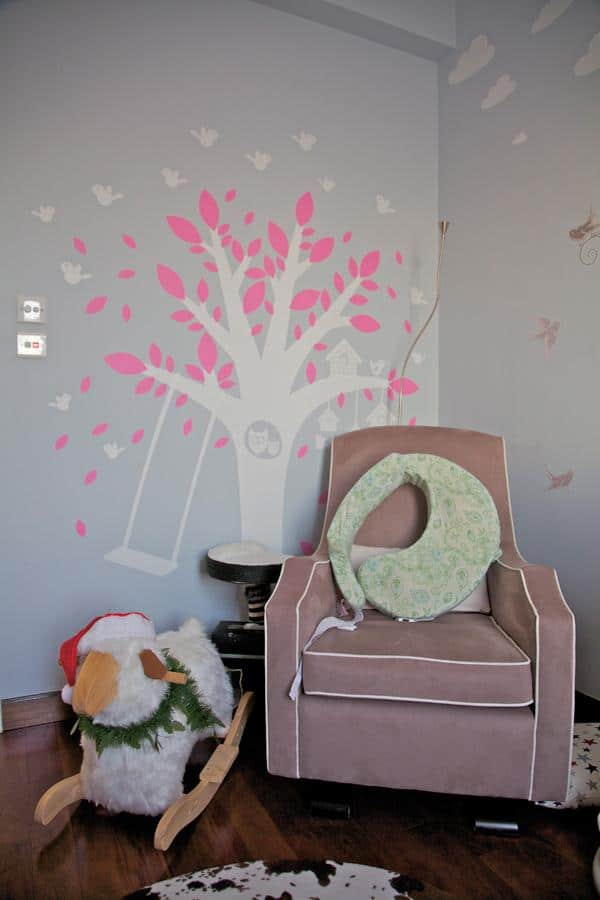 Stylish kids room decoration using vivid wall art colors - Simplicity Design by Urban Design & Build Ltd