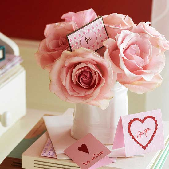 Pink roses with personal romantic message - Easy DIY Handcrafted Valentine's Day Decor
