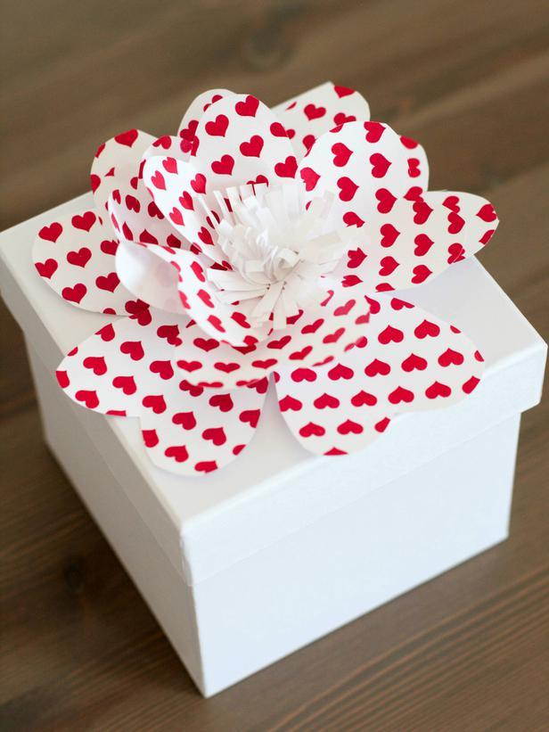 Pretty Paper Flowers -Easy DIY Valentine's Day Crafts for Home Decoration