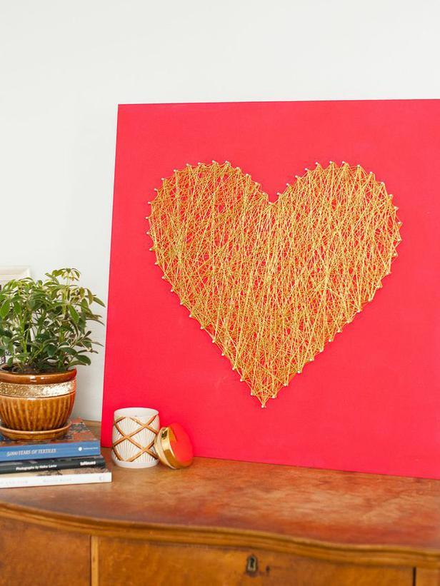 String Art Heart -Easy DIY Valentine's Day Crafts for Home Decoration