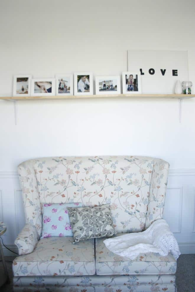 A love sign on a wooden wall shelf - 50 Creative Home Decorating Ideas