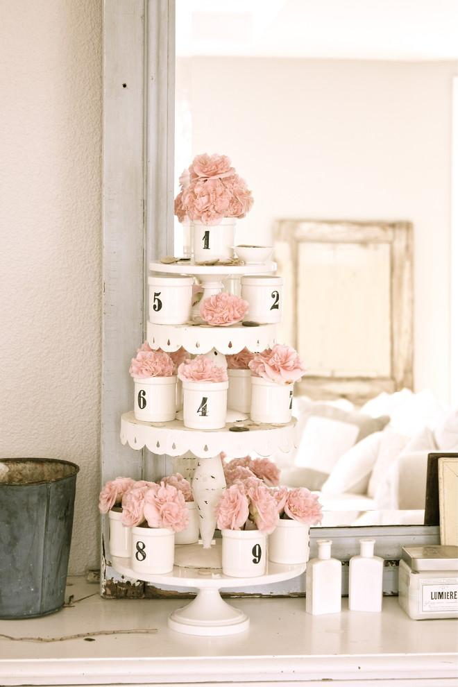 A tower of romantic flowers in pink hues - 50 Creative Home Decorating Ideas