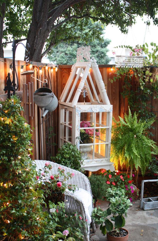 Beautiful garden decoration - Valentine's Day Ideas and Inspiration