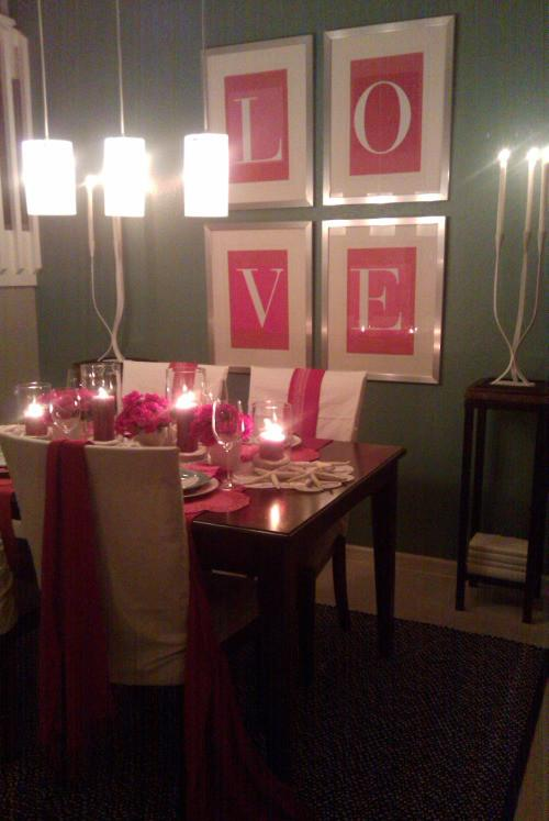 Dining room wall art for Saint Valentine's day - 50 Creative Home Decorating Ideas