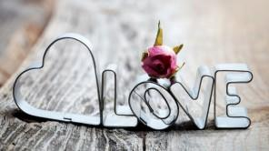 Easy DIY Valentine's Day Crafts for Home Decoration