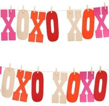 Hugs & Kisses Garland Kit -19 Amazing Valentine's Day Home Decorating Ideas
