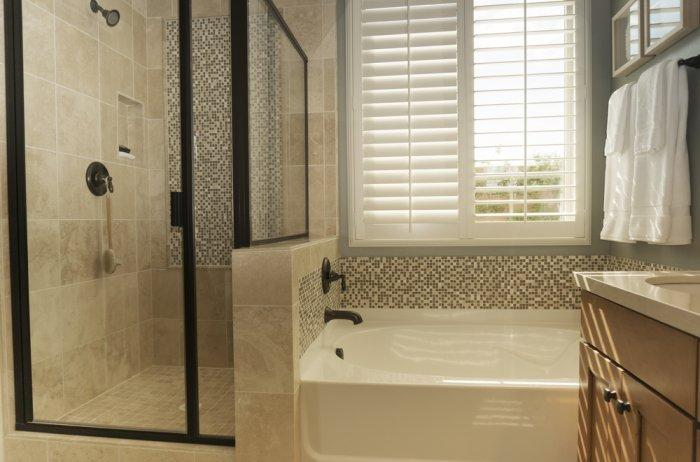 Modern bathroom shutters - how to choose one?