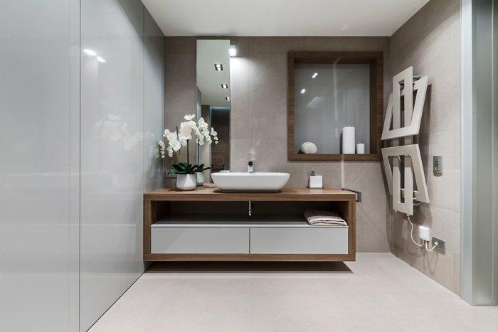 Modern minimalist small bathroom design - Stylish and Elegant Apartment in Monaco
